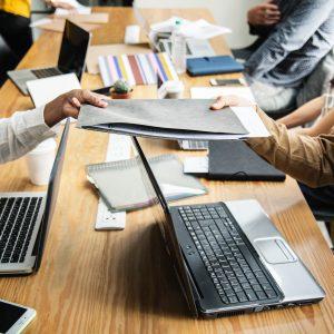 advice-colleagues-communication-1161465
