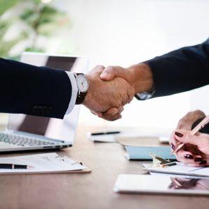 businessmen-collaboration-cooperation-886465